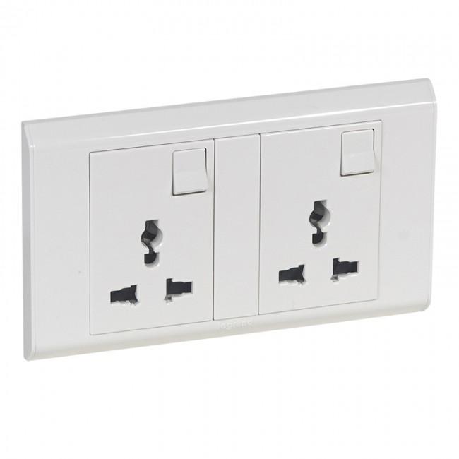 multistandard switched socket outlet belanko 2 gang white multistandard switched socket outlet belanko 2 gang white