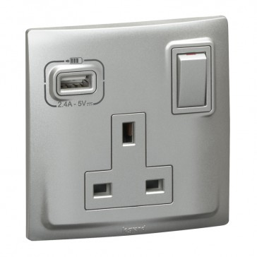 British standard socket outlet with USB charger Mallia - switched - 1 gang - 13 A 250 V~ - silver