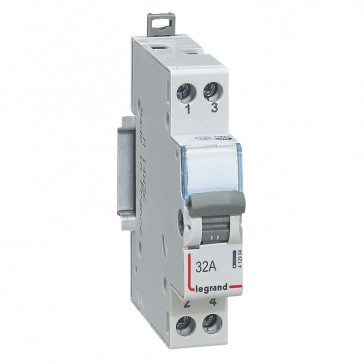 Changeover switch NO + NC 250 V~ - 32 A - 1 module