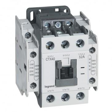 3-pole contactors CTX³ 40 - 32 A 230 V~ - 2 NO + 2 NC - screw terminals