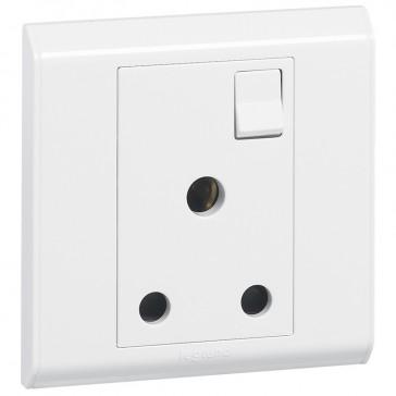 BS socket outlet Belanko - 1 gang Single Pole switched - 15 A 250 V~