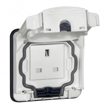 Socket outlet Plexo 66 - 1 gang unswitched - 13 A 250 V~ - flush mounting