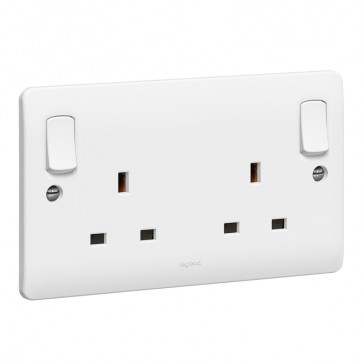 Double pole socket outlet Synergy - 2 gang for standard E applications - 13 A 250 V~ - white