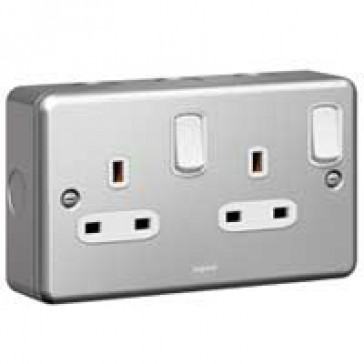 Double pole socket outlet Synergy - 2 gang switched - 13 A 250 V~ - metalclad