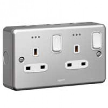 Double pole socket outlet Synergy - 2 gang switched + Led - 13 A 250 V~ - metalclad