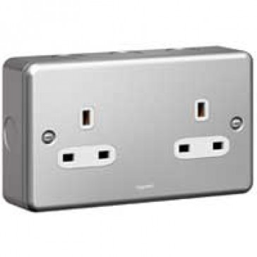 Socket outlet Synergy - 2 gang unswitched - 13 A 250 V~ - metalclad