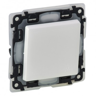 One-way switch Valena Life - 10 AX 250 V~ - IP44 - with cover plate - white