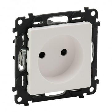 2P socket with shutters Valena Life - 16 A 250 V~ - with cover plate - white