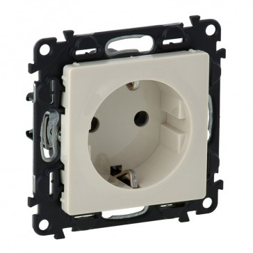 2P+E socket with shut. Valena Life -German standard -VDE compliant -16 A -250 V~ -ivory