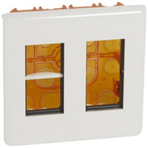 Flush-mounting workstation kit - for 2x4 modules - White