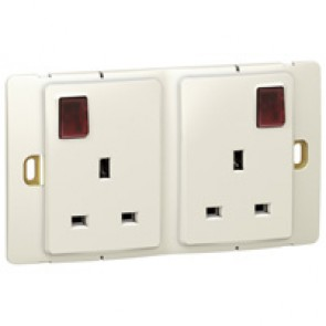 Socket outlet Mallia - switched - 2 gang+Led - 13 A 250 V~ - pearl