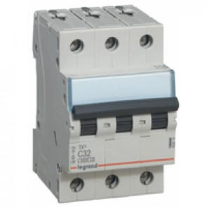 MCB TX³ 6000 - 3P 400 V~ - 32 A - C curve - prong-type supply busbars