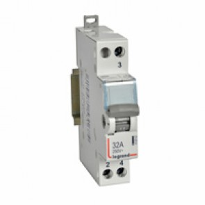 Changeover switch - 2-way with centre point 250 V~ - 32 A - 1 module