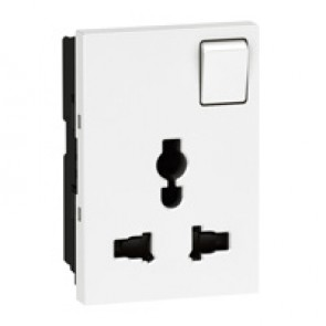 Multistandard socket Arteor - 2P+E switched - shuttered - 3 modules - white