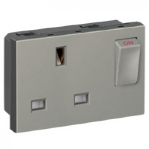 Socket Arteor - BS 1363 - 13 A - 2P+E switched - 3 modules - magnesium