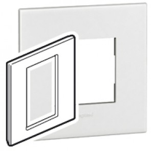 Plate Arteor - British standard - square - 3 modules 1-gang - white