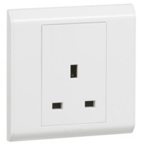 British standard socket outlet Belanko - 1 gang unswitched - 13 A 250 V~