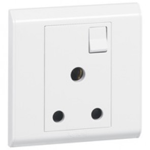 BS socket outlet Belanko - 1 gang Single Pole switched - 15 A 250 V~