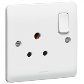 Socket outlet Synergy - 1 gang switched - 5 A 250 V~ - white