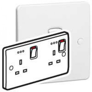 Double pole socket outlet Synergy - 2 gang + indicator - 13 A 250 V~ - white
