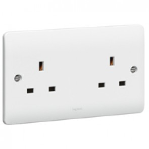 Socket outlet Synergy - 2 gang unswitched - 13 A 250 V~ - white