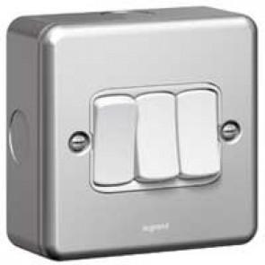 Single pole switch Synergy - 3 gang - 2 way - 10 AX 250 V~ - metalclad