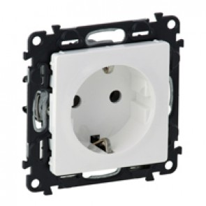 2P+E socket with shut. Valena Life - automatic terminals - German standard -16 A -250 V~ -white