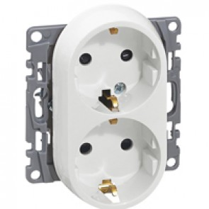 2x2P+E German standard socket outlet Niloé -with shut. -compact - screw terminals -white